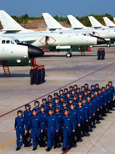 中国空军首赴西太平洋训练