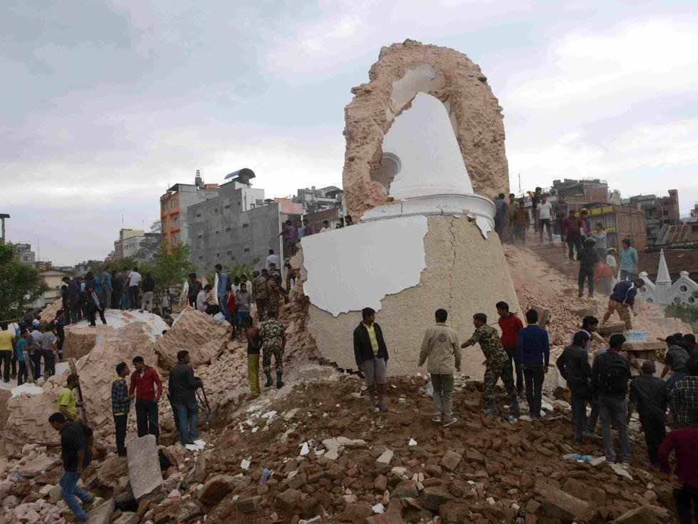 强震摧毁尼泊尔史诗级遗迹