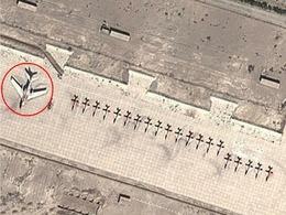 解放军大批轰6轰炸机集结新疆要塞机场[图]