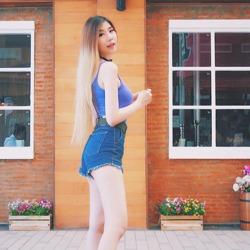 泰国美女老师爆红<br>私照秒杀众女星