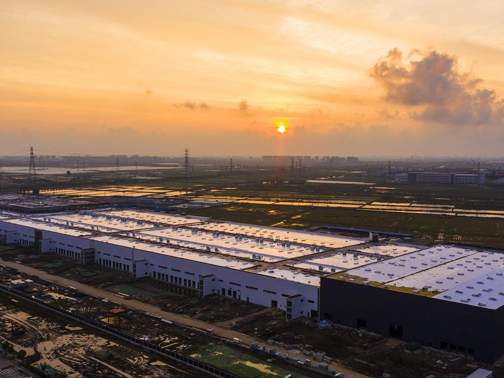 上海特斯拉超级工厂 进度惊人已在安装生产设备[图集]
