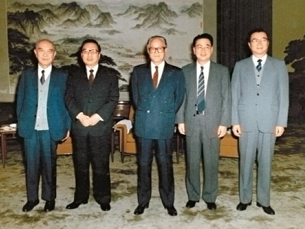 中共十三大常委七人临时变五人的内幕|多维新闻网|中国